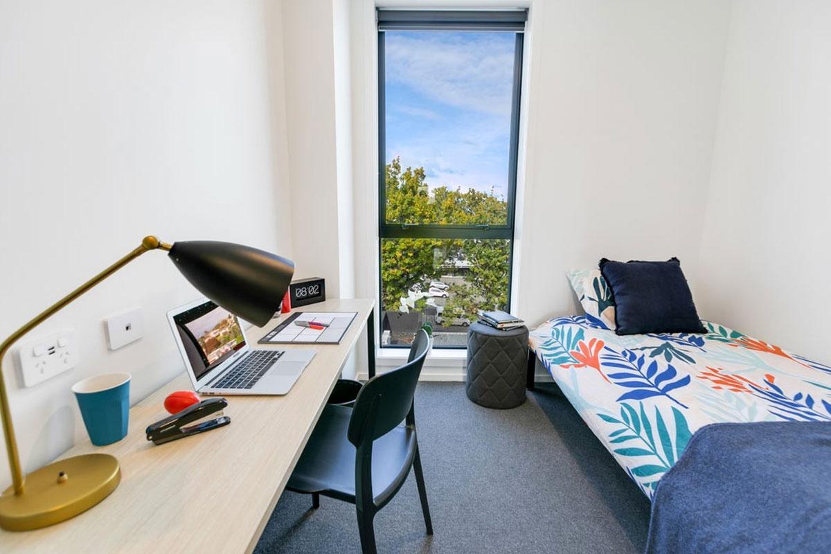 Selwyn St room